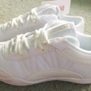 Как сохранить красивыми белые чир-кроссовки? Несколько лайфхаков для чирлидера!