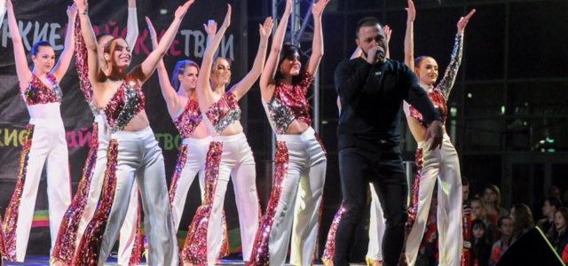 Команда шоу-балета «Комильфо»: соревнования, выступления и флешмоб!